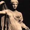 Золотая статуя Клеопатры