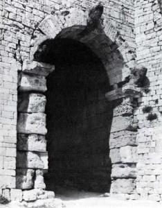Ворота в городе Вольтерра. III в. до н. э.
