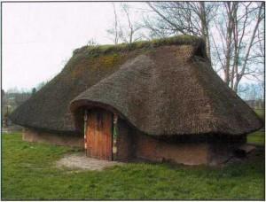 Реконструкция жилища галльского племени менапов в Дестельбергене, Бельгия