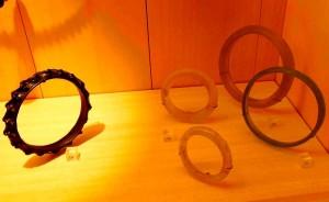 браслеты из янтаря и стекла