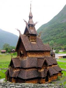 Деревянная церковь в Урнесе, Borgund, Норвегия 1125-1150гг. - металлические детали при строительстве не использовались.